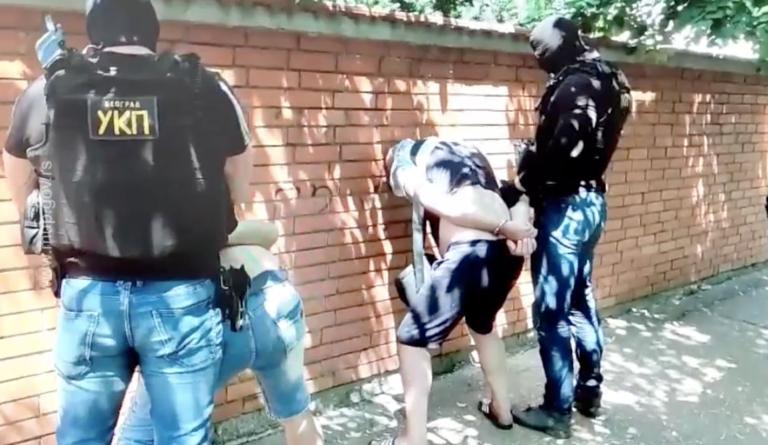 Pogledajte snimak hapšenja Pančevaca koji su opljačkali poštu u Zrenjaninu